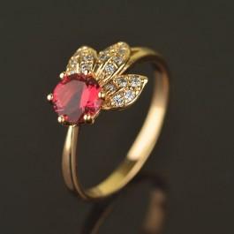 Изящное позолоченное кольцо с фианитами 10-1167-красный корунд