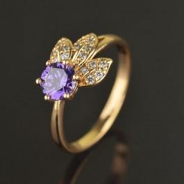Изящное позолоченное кольцо с фианитами 10-1167-фиолетовый